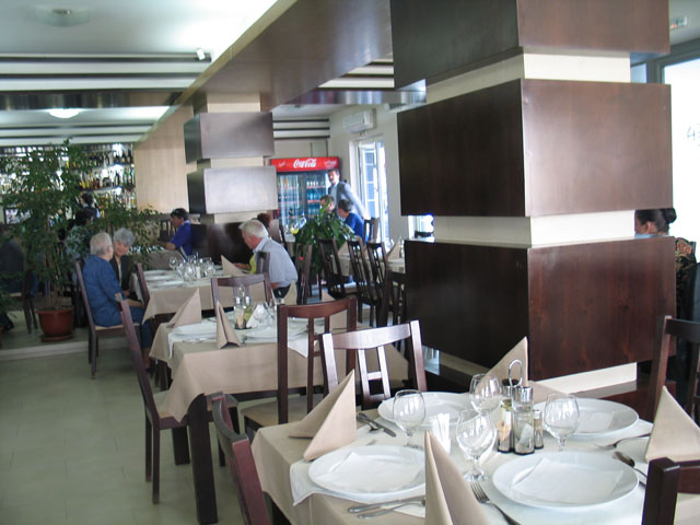 restaurant hotel euro house baia mare 5 - Euro House Designs